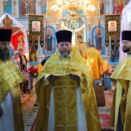 Архиерейское богослужение в день памяти святых первоверховных апостолов Петра и Павла.
